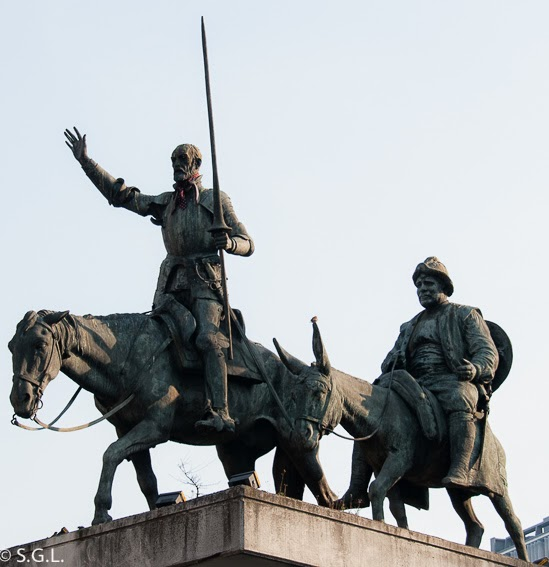 Estatua de Don Quijote y Sancho Panza en Bruselas