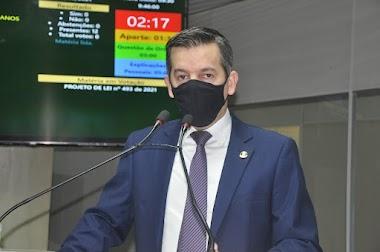 Rubens pede fiscalização do uso dos estacionamentos rotativos e de carga e descarga na Feira Central