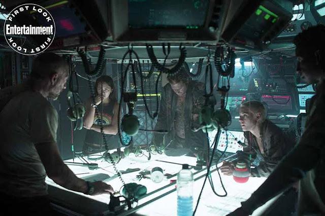 من يخاف من رهاب الكلوستروفوبيا.. فيلم Underwater سيجعلك تحبس أنفاسك شخصيات الفيلم