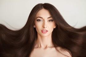 تساقط الشعر وكيفية الحصول على شعر صحي