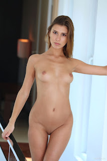 Free Sexy Picture - rise_21_30994_9.jpg