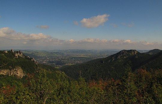 Widok z Grzybowca na Kotlinę Zakopiańską.