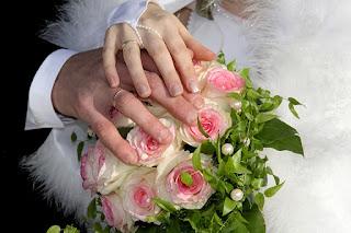 Evlilik bir hayata beraber devam etmek için atılan en güzel adımlardan bir tanesidir. Davetiye Sözleri vasıtası ile şimdiye kadar hiç kimsenin davetiyesi içerisinde kullanmadığı kalıpları kullanabilir ve bu sözler ile etkileyici bir düğün için ilk basamağı tamamlayabilirsiniz. İşte Dini Düğün Davetiyesi Sözleri . İşte sayfamız