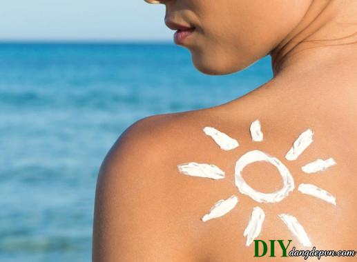 11 lý do tại sao bạn phải bôi kem chống nắng mỗi ngày