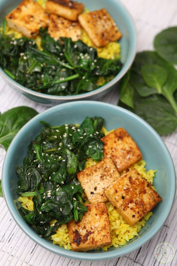 With just 3 main ingredients, Simple Spinach Tofu With Turmeric Rice is an easy, tasty and practical meal you'll be adding to your favorites this year!