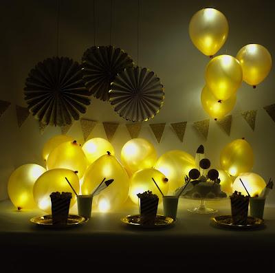 Gold illoom balloons