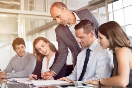 Ways Entrepreneurs Hold Back themselves