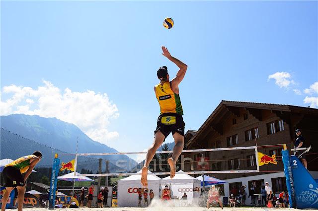 Alison e Álvaro Filho na etapa de Gstaad do Circuito Mundial de vôlei de praia