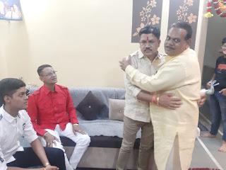 दीपावली और नववर्ष पर विधायक पटेल ने नगर में भ्रमण कर दी शुभकामनाएं