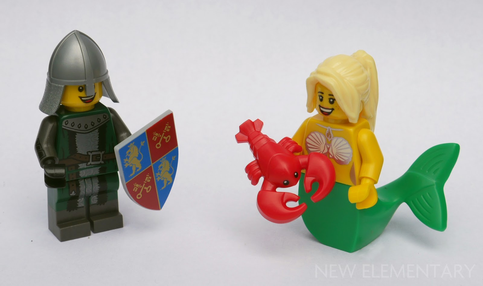 Minifig LEGO Castle Shield Ovoid with Dragon Green and Red Pattern