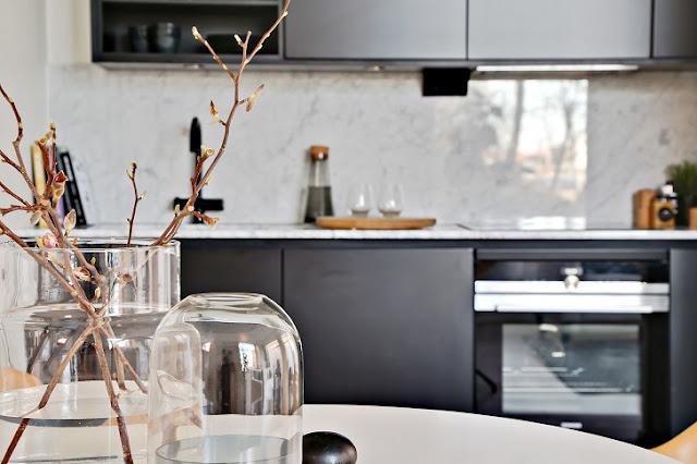 Minimalism scandinav ntr un apartament de 50 m jurnal de for Al saffar interior decoration l l c