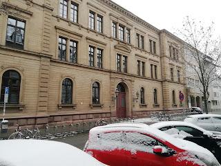 Бывшая первая немецкая средняя школа для девочек - гимназия Фихте, Карлсруэ