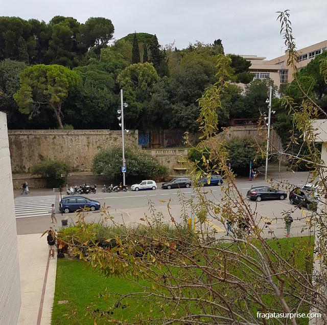 Montjuïc visto do terraço da Fundação Joan Miró