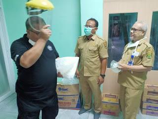 Pemkab Sukabumi serahkan 70 APD di RSUD SEKARWANGI