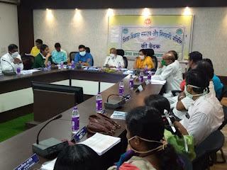 जिला विकास समन्वय एवं निगरानी की समिति की बैठक में केन्द्रीय योजनाओं की हुई समीक्षा
