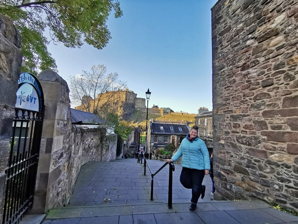 vennel-street-priveliste-edinburgh-scotia