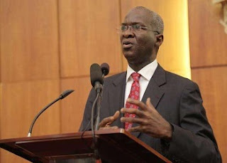 Fashola finally bows, tenders unreserved apology to Reps