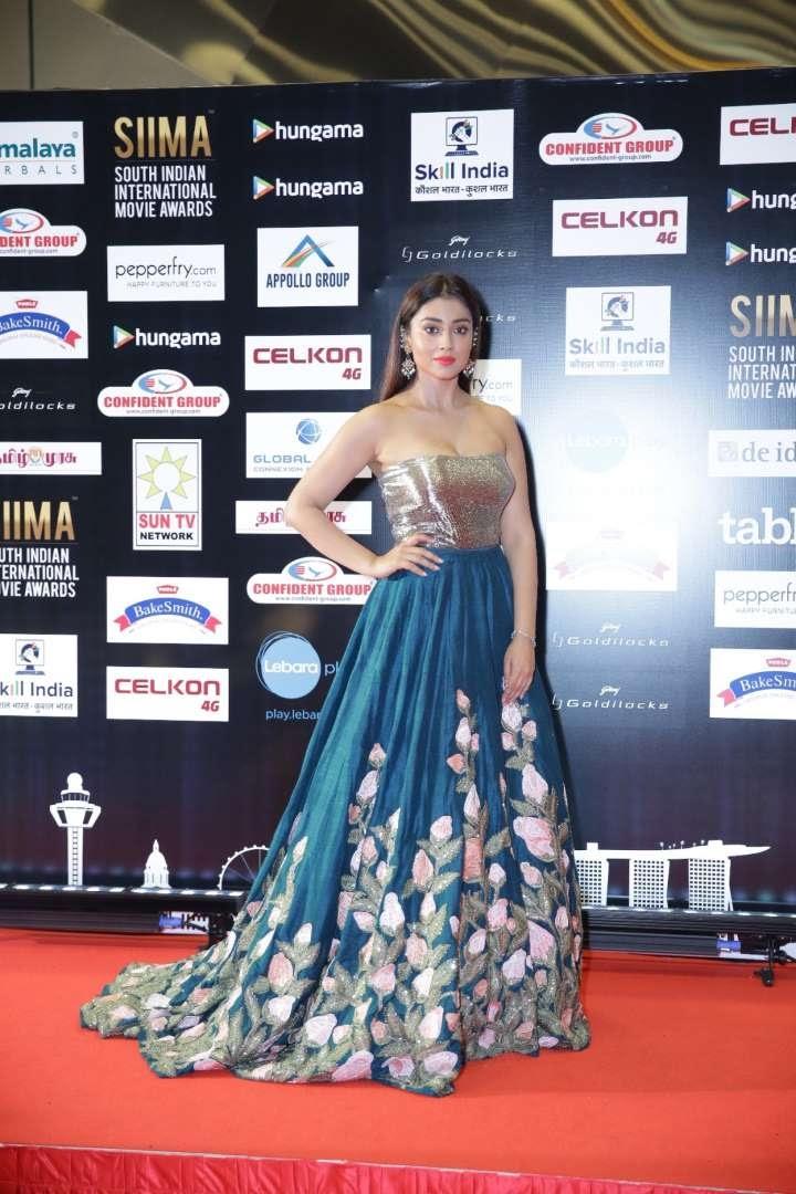 South Indian actress Shriya Saran looked stunning at SIIMA