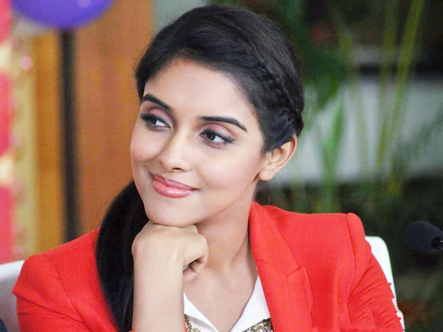 Top 10 Beautiful Tamil Actress - Latest Cute, Unseen Photos, Profile And Latest Movies