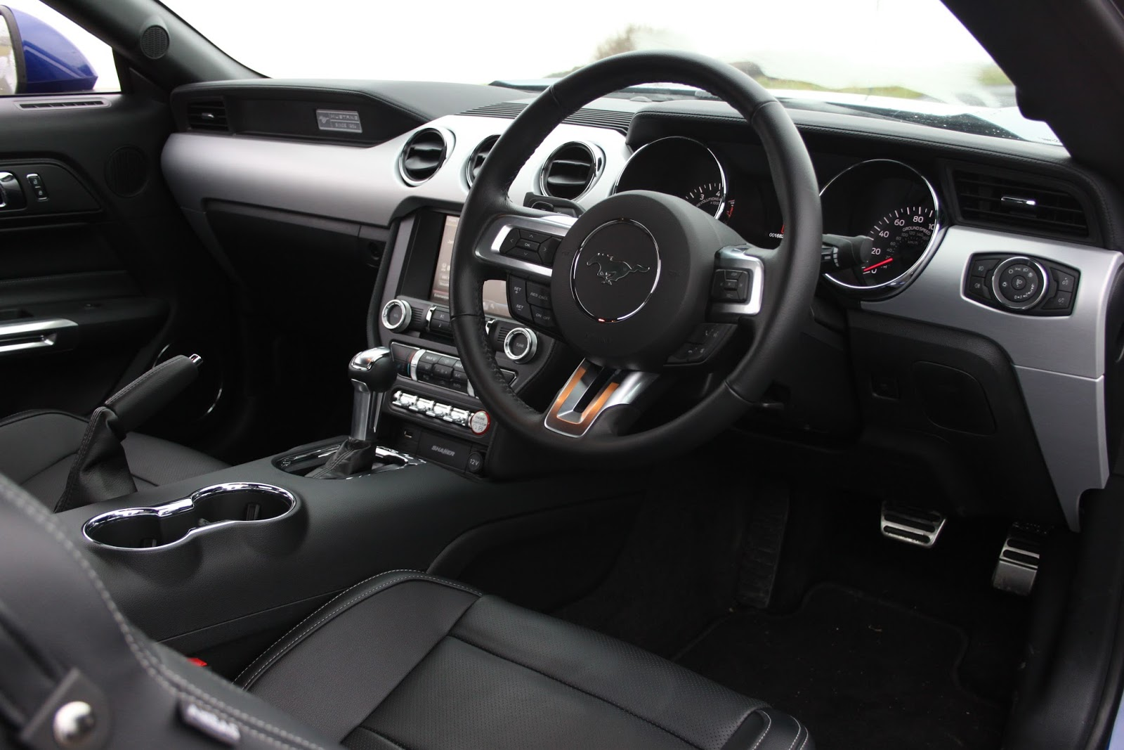 2016 ford mustang gt launched in india car sale india - Interior ford mustang ...
