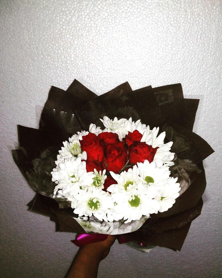 Karangan Bunga Tangan Hand Bouquet 027