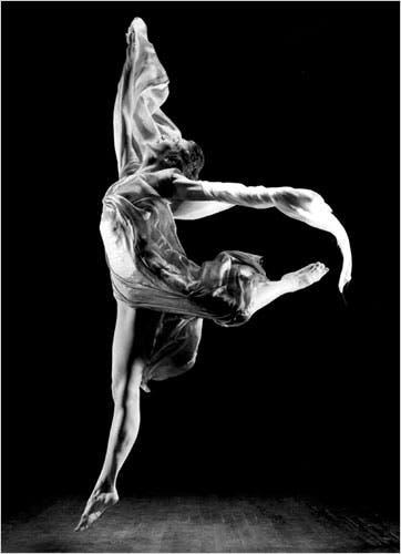 Isidora, dancing