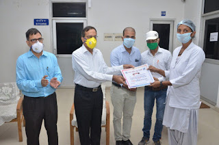 उत्तर मध्य रेलवे अस्पताल के 55 लोगों को कवरेज इंडिया द्वारा दिया गया 'कोरोना कर्मवीर' सम्मान   #NayaSaveraNetwork