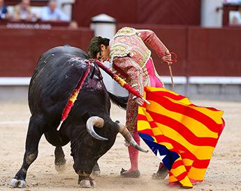 el villano arrinconado, humor, chistes, reir, satira, Puigdemont, toros, Catalunya