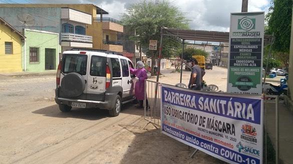 Prefeitura de Umbuzeiro instala barreiras sanitárias em duas entradas do município