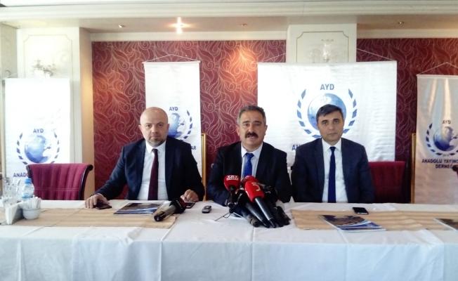 """Bu yılki """"Anadolu Medya Ödülleri""""ni kazanan isimler ve kuruluşlar"""