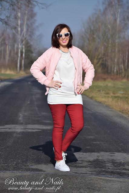 GAMISS | biała bluzka i białe adidasy.