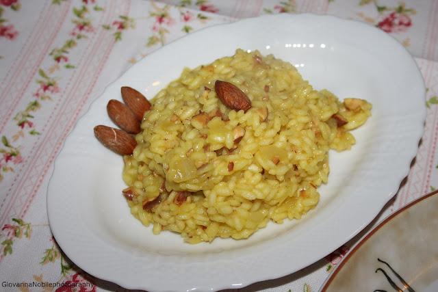 Pollo al forno allo zenzero e risotto alle mandorle