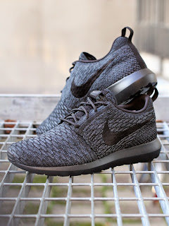 http://www.footish.se/sneakers/nike-flyknit-rosherun