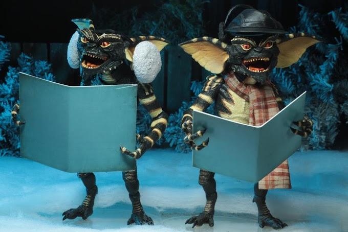 Dos Gremlins cantando villancicos, el regalo perfecto para navidades