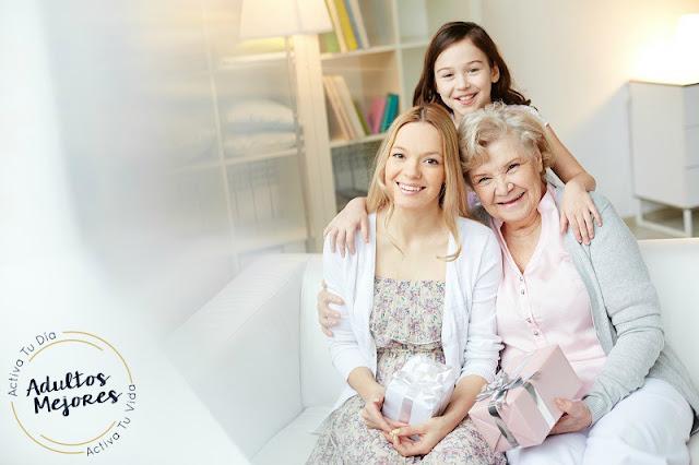 adultos mayores y la familia
