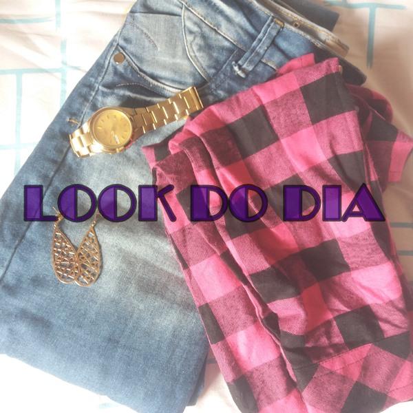 Look-do-dia-com-calça-jeans-e-blusa-xadrez