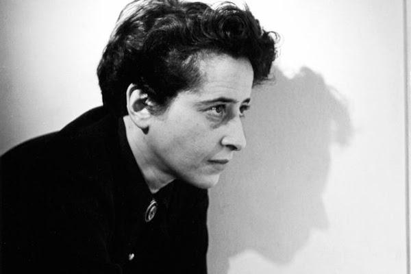 """""""Ideología y terror: una nueva forma de gobierno""""por Hannah Arendt"""