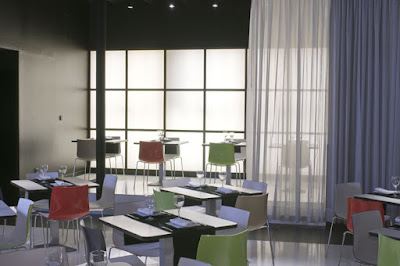 Plato Restaurant interior with modern and minimalist furniture