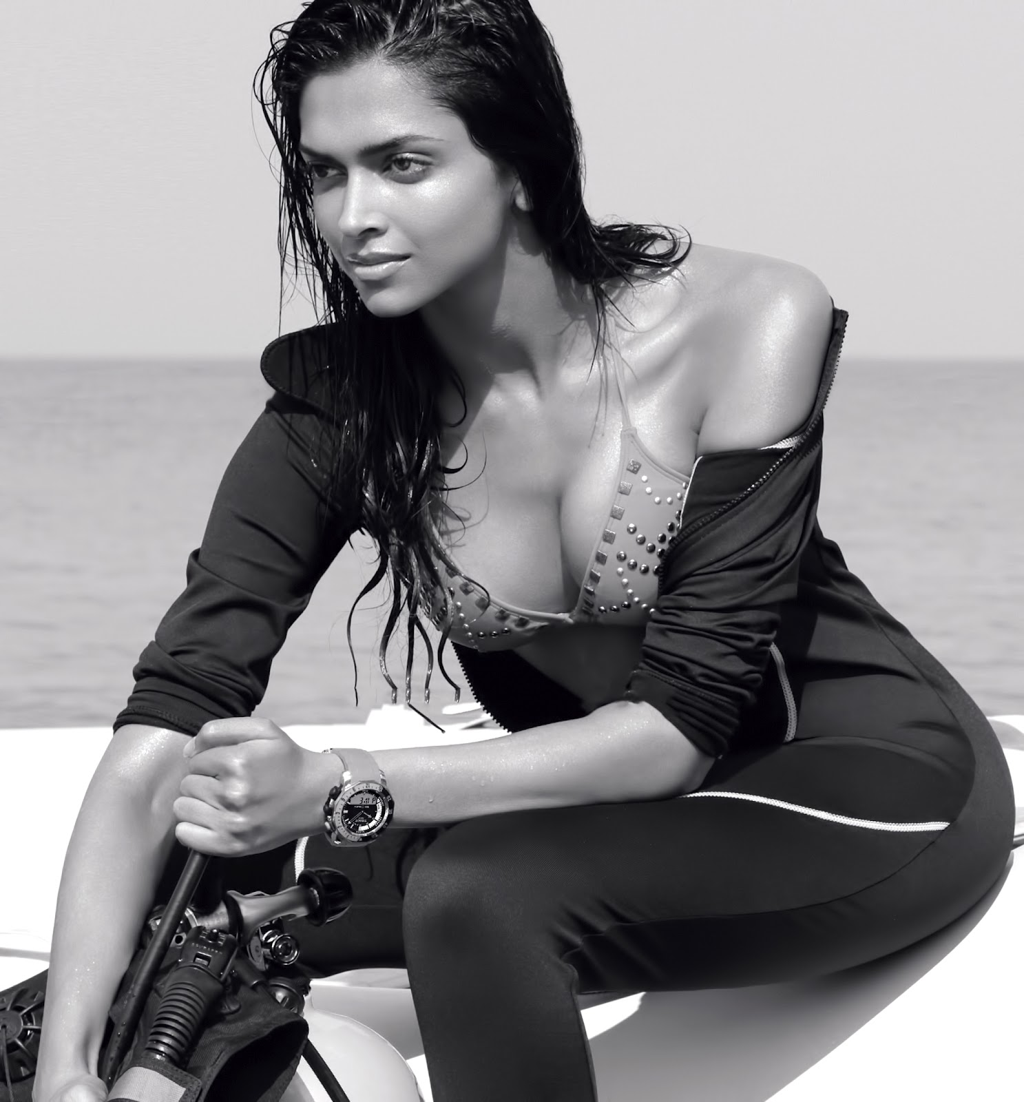 New Deepika Padukone Hot  Sexy Hd Wallpapers Pictures -1883