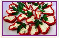 Papriky s chutnou náplní (majonéza, sýr, česnek) - Recepty a vaření