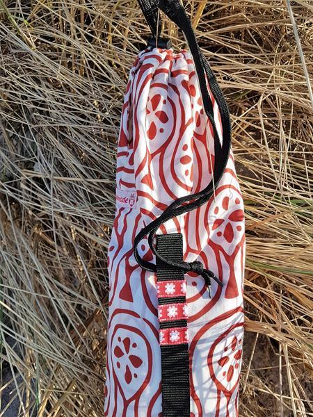 Tasche für einen Windschutz aus einer Gardine