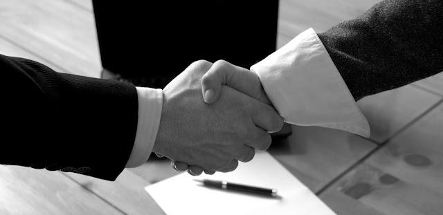 Contrato mercantil y abogados
