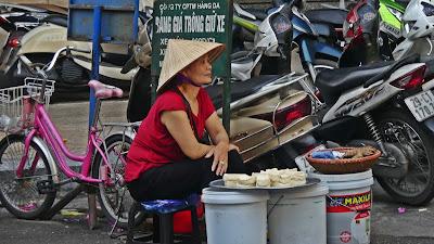 Wietnam Hanoi życie uliczne