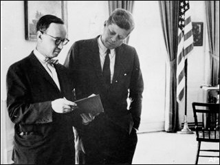 an analysis to the writings of arthur schlesinger jr The arthur m schlesinger, jr papers, dating from 1922-2007, document the historian's life and work through extensive correspondence, journals, writings, research material, office files and personal.