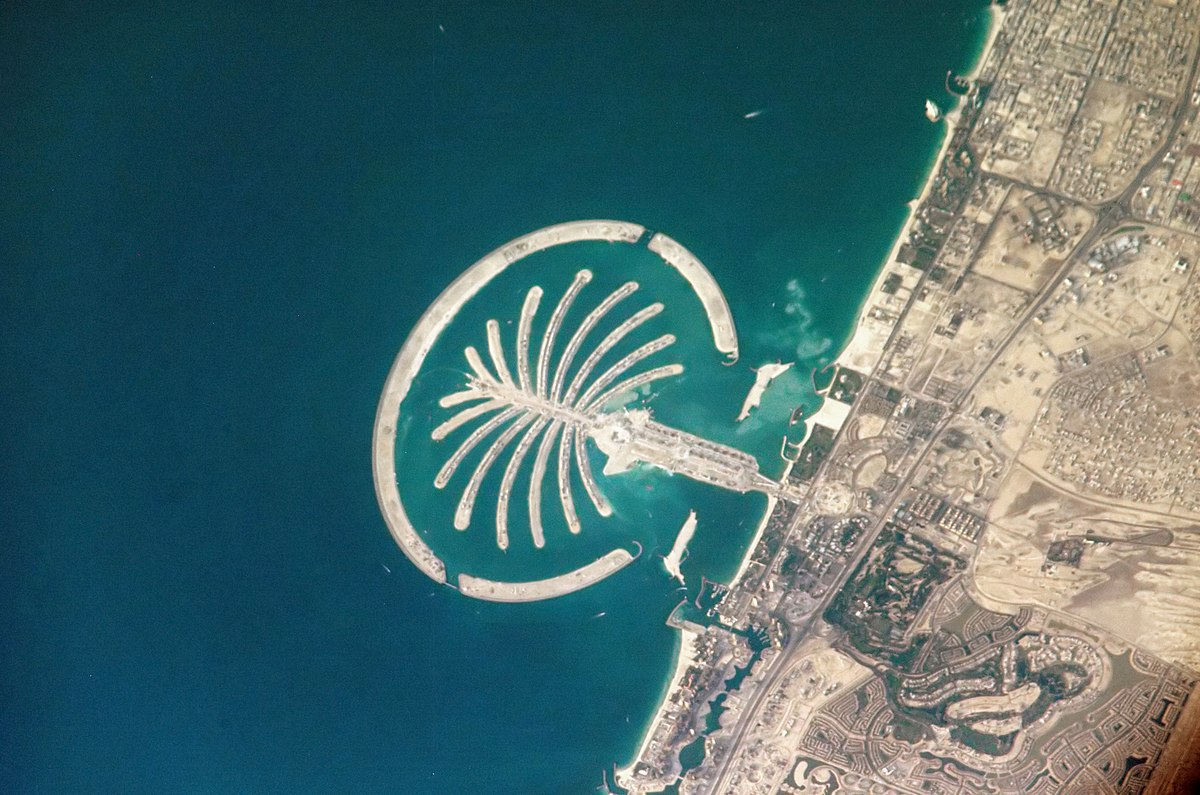 Tourist places in Jumeirah Dubai - Palm Jumeirah