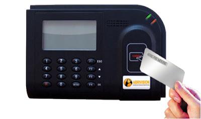 Chọn mua Máy chấm công thẻ từ có chính xác ?