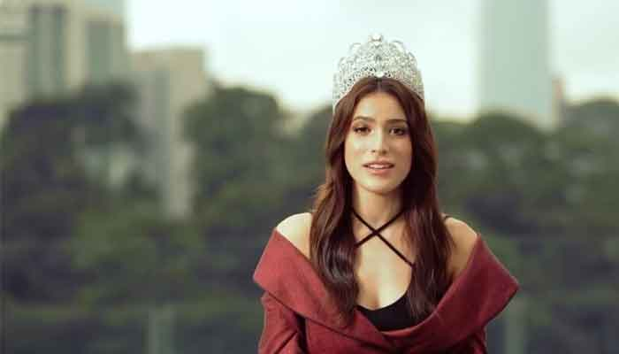 Samantha Katie, Malaysian belle of the ball, apologizes over comments about US dark network