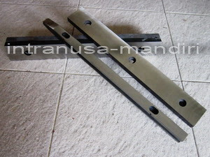 Z-bar, Z-bar Kaleng, Z-bar Welding Machine Part, Z-bar Soudronic, Z-bar kaleng intranusa mandiri 1