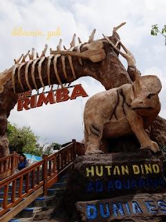 """berpetualang ala film jurassic park di dino park"""
