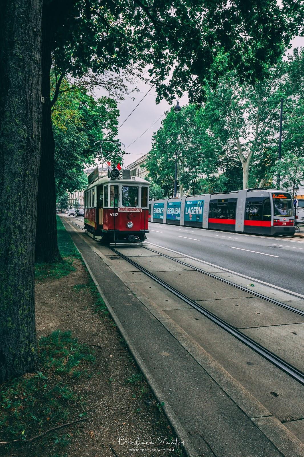 Red tram | Vienna - Travel